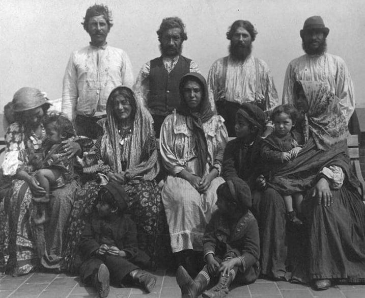 Augustus_Francis_Sherman_-_Romani_in_Serbia,_1906